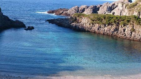 透明度の良い式根島の海.jpg